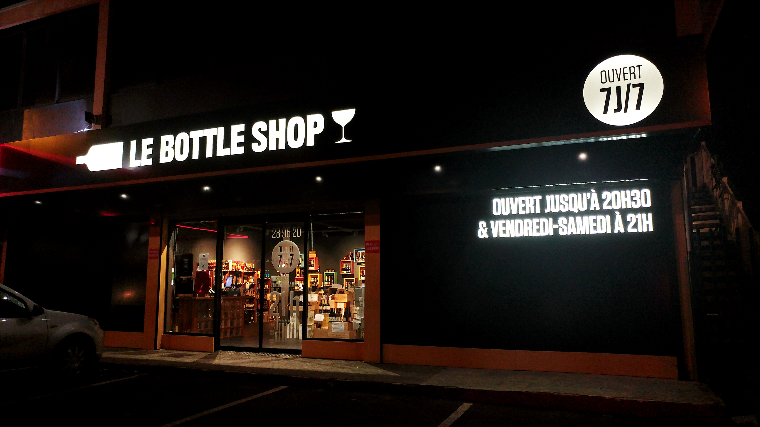 Bottle-Shop-Vinotheque-Identite-Visuelle-Devanture
